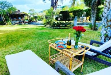 Villa esclusiva con piscina ed ampio giardino 1